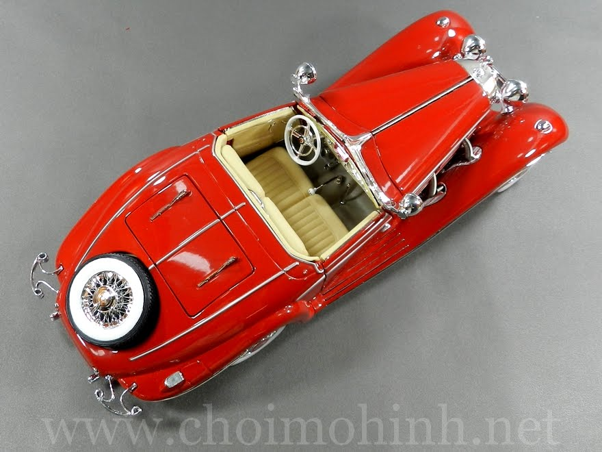 Mercedes-Benz 500 K Specialroadster 1:18 Maisto red up