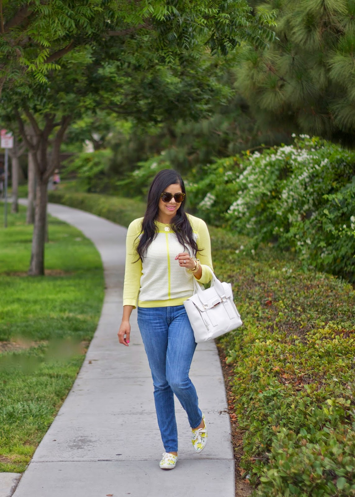 yellow casual outfit, jeans and tommy sweater, tommy hilfiger lightweight sweater