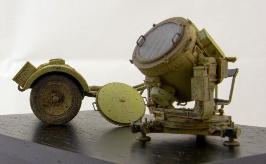 AFV Club 1/35 60cm Flakscheinwerfer (Flak-Sw 36) mit Sd.Ah.51 German Searchlight w/Trailer
