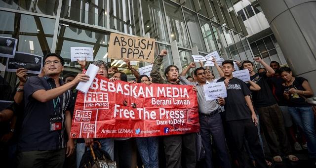 Aktivist media anjur 'Perhimpunan 808' bantah penggantungan The Edge