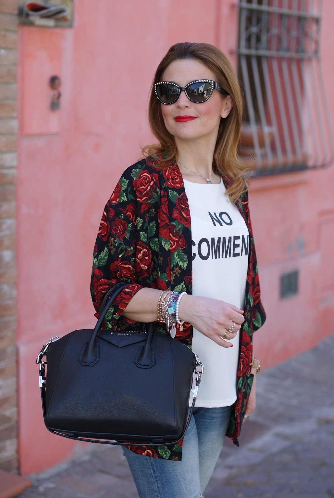 Rose print kimono on Fashion and Cookies fashion blog
