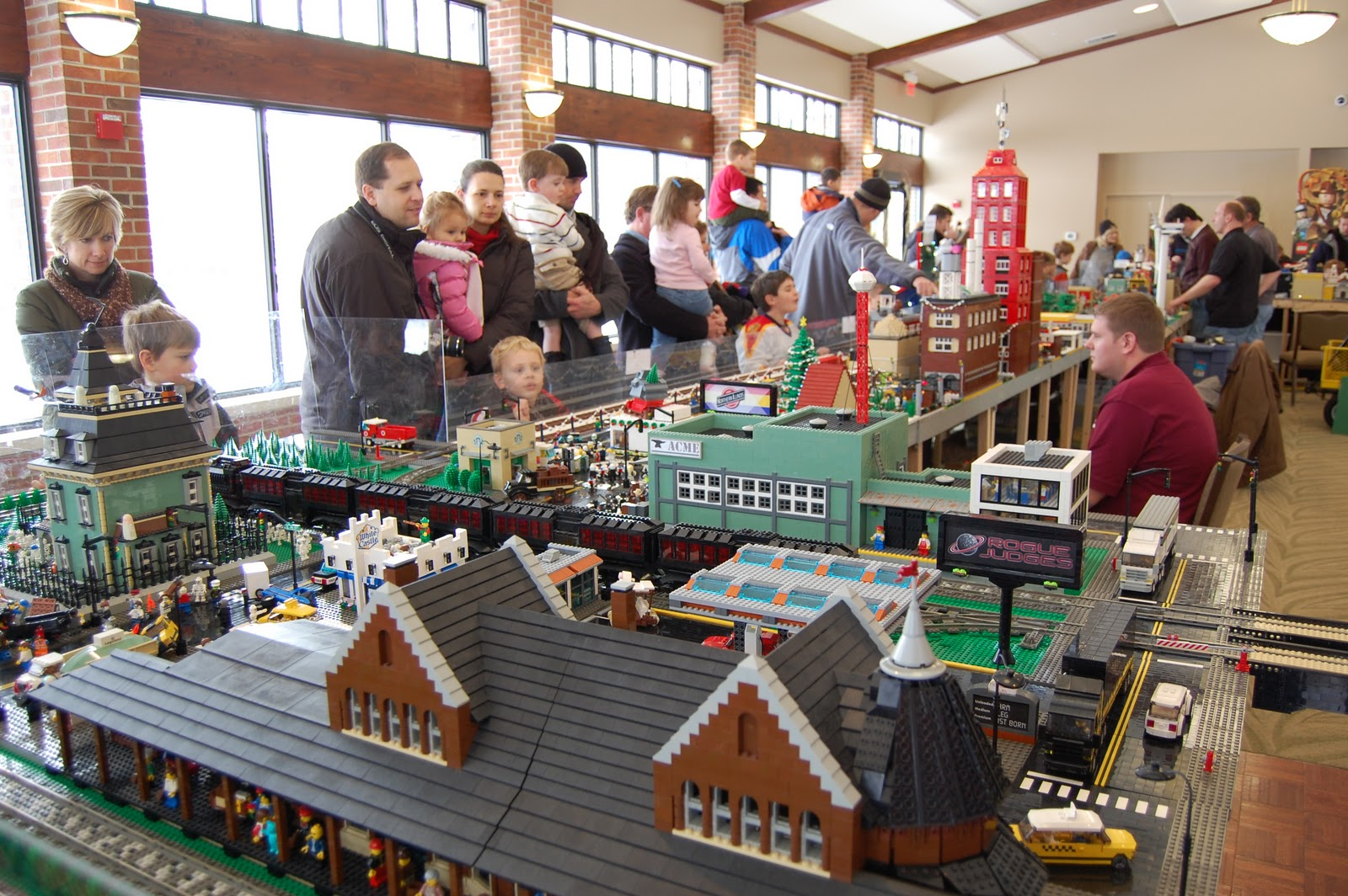Kidlist activities for little kids lego train show for Cantigny le jardin