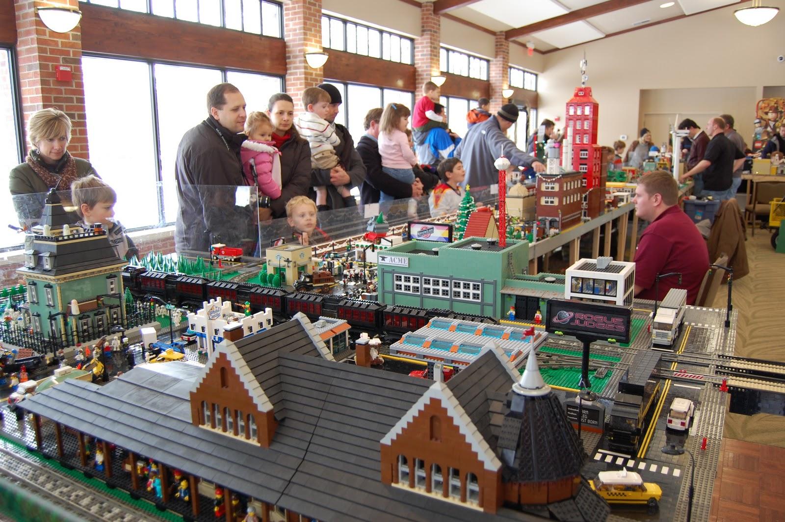 Kidlist activities for little kids lego train show for Cantigny le jardin