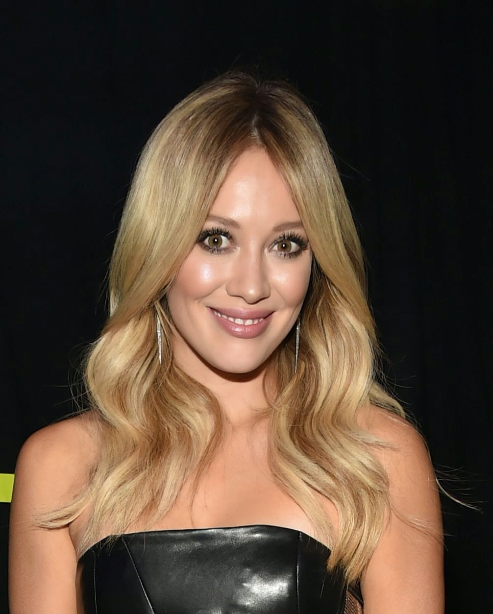 Hilary Duff HD Picture...