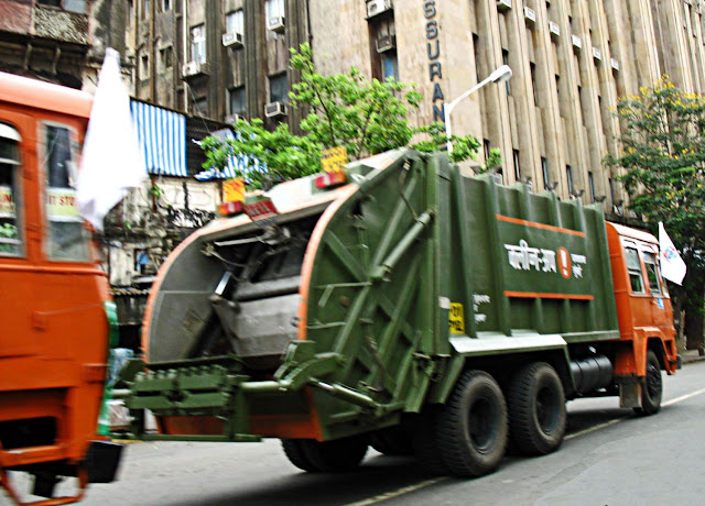clean up truck in Mumbai