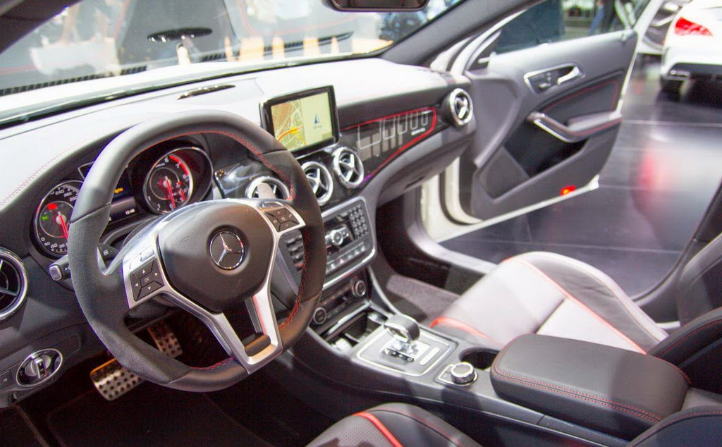 nuevo Mercedes GLA 45 Amg 2014, interior