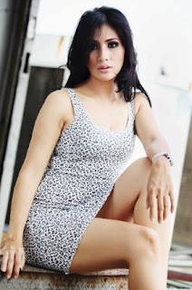 Foto Hot Angie Amanda 2012