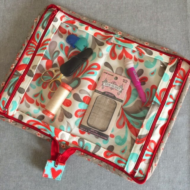 Double Pocket Pouch - Interior