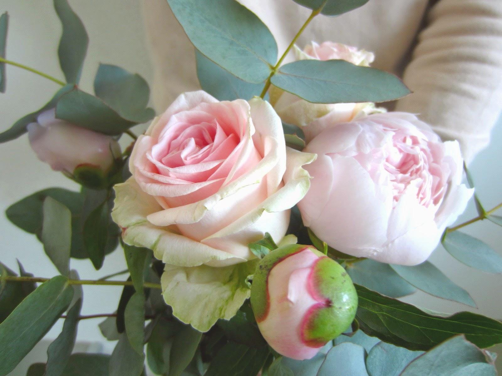 la petite boutique de fleurs fleuriste mariage lyon fleuriste mariage rh ne elles sont l. Black Bedroom Furniture Sets. Home Design Ideas