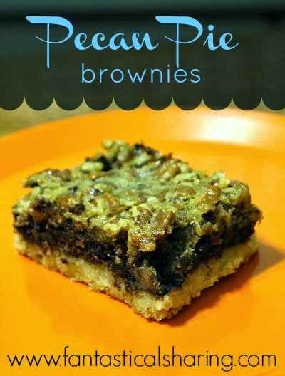 Pecan Pie Brownies | Who said it needs to be a holiday to enjoy some pecan pie?!