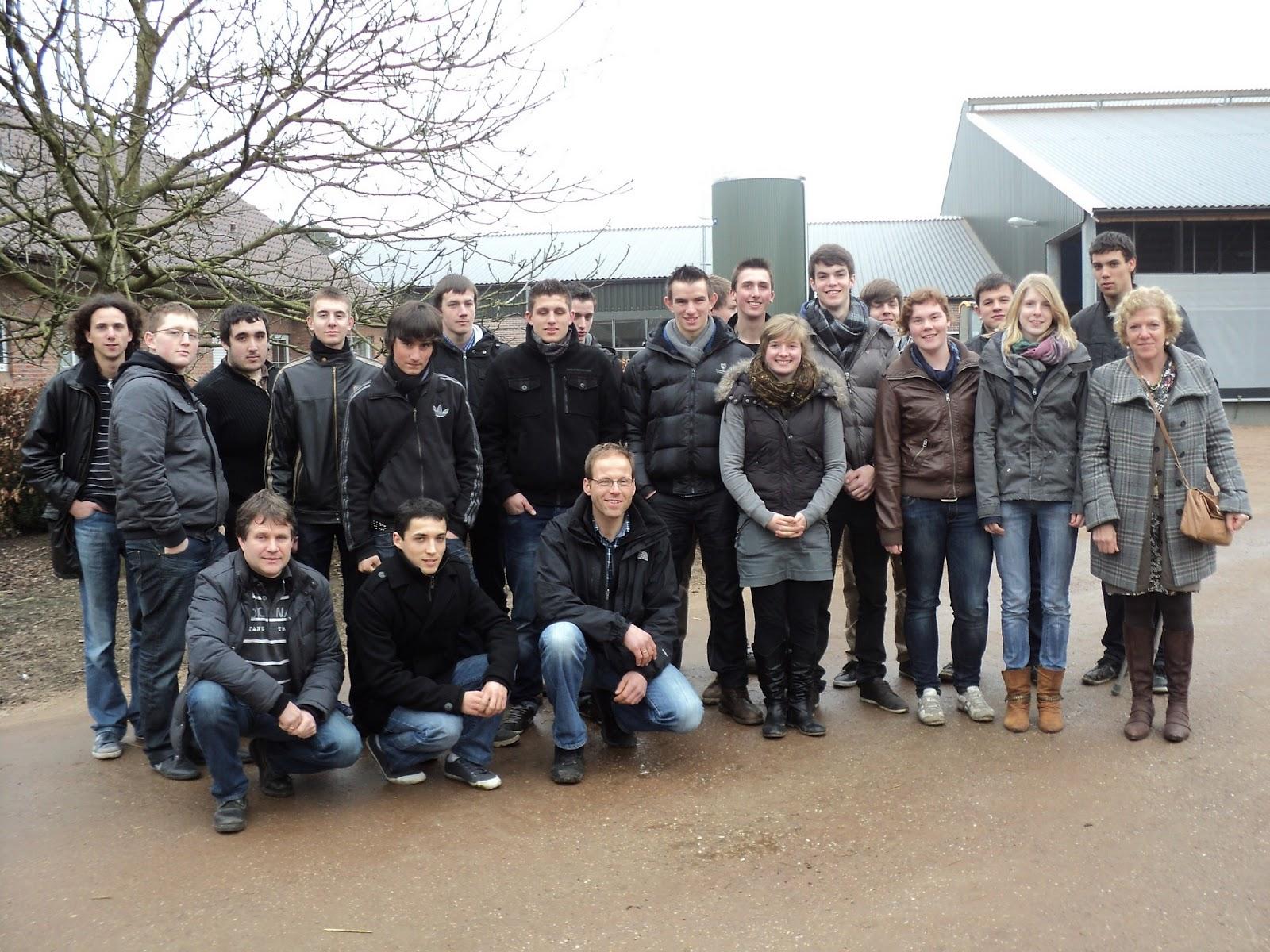 cfaa 47  6 apprentis agricoles en flandre du 18  02 au 10  03  2012  photo de groupe avec nos amis