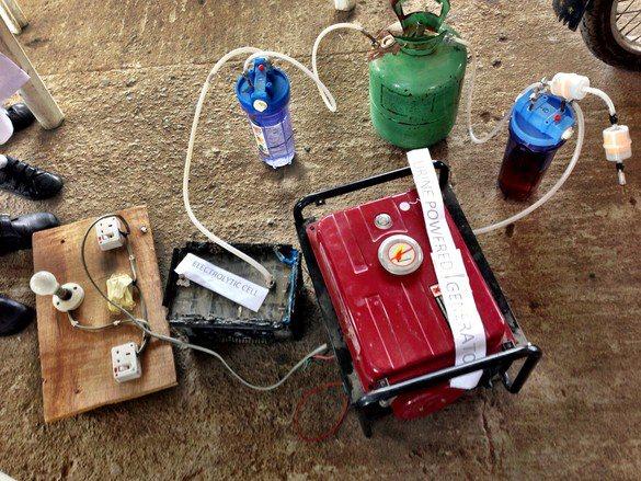Cara Menghasilkan Listrik Dari Air Kencing (Penemuan 4 Siswi Nigeria)
