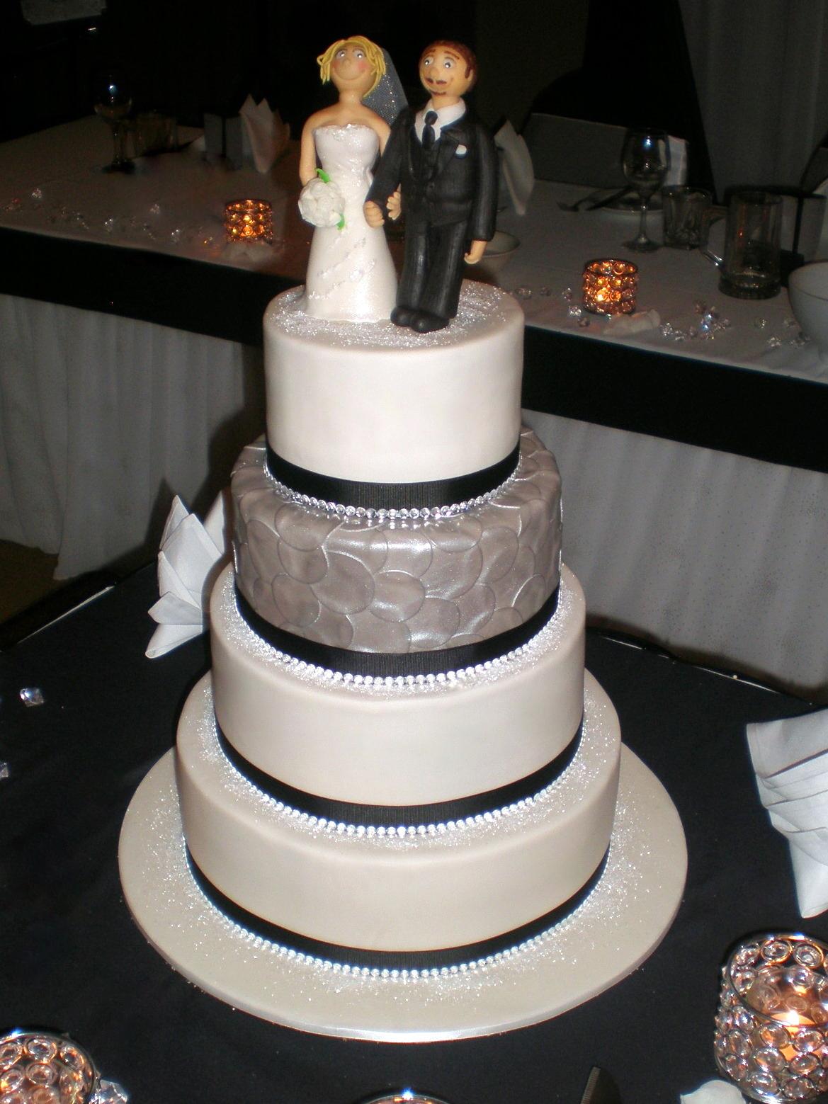 Sugar Siren Cakes Mackay Black White Bling Wedding Cake With