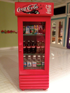 Jocelyn 39 s mountfield dollhouse new single door coca cola for 1 door retro coke cooler