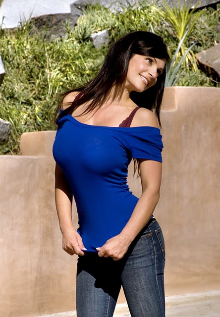 model denise milani