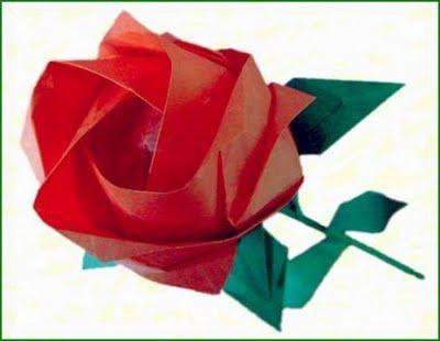 rosa realizzata con tecnica origami