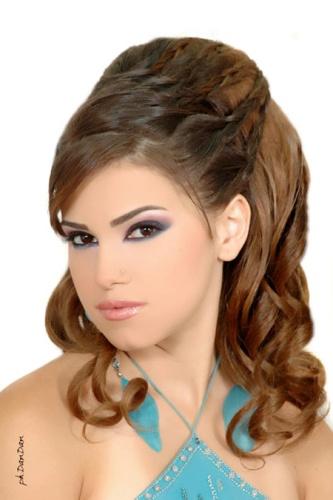 Estos peinados de fiesta 2012, son ideales para todas, son muy lucidores y tienen el desenfado de los peinados.No lo duden si escogen cualquiera de estos,