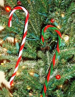 Learning ideas grades k 8 easy candy cane craft for Easy candy cane crafts