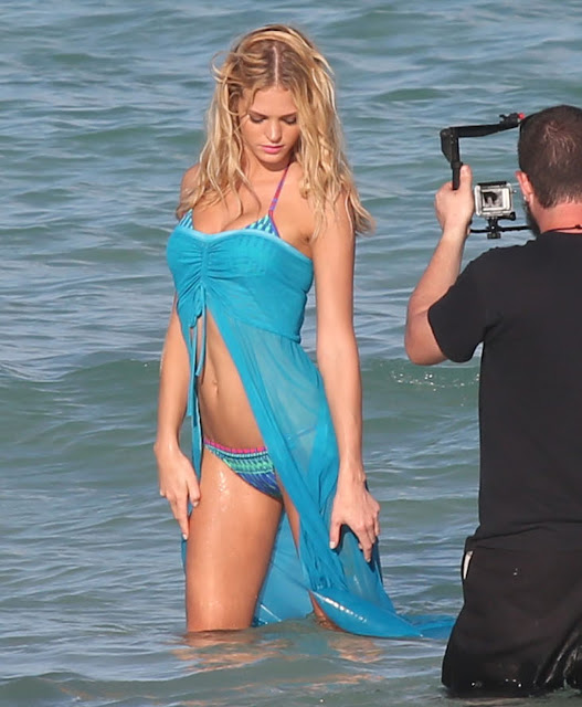 Erin Heatherton – Bikini in Miami