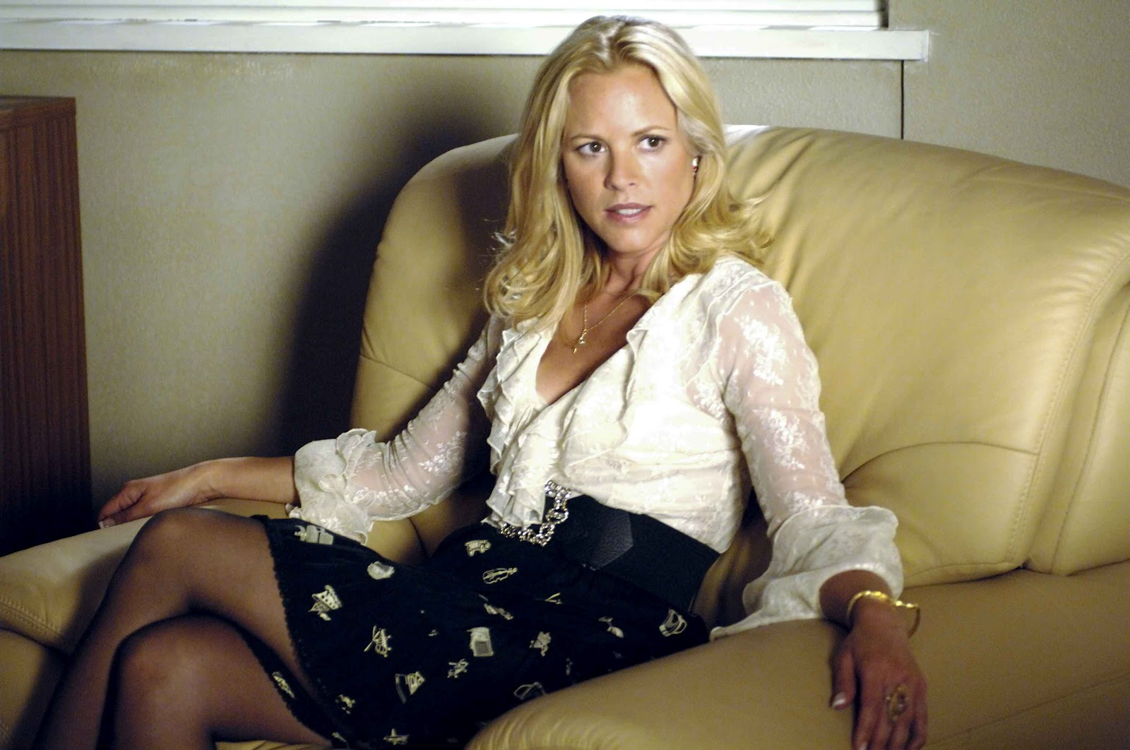 Bello hot photos,maria bello hot photo,maria bello age,maria bello