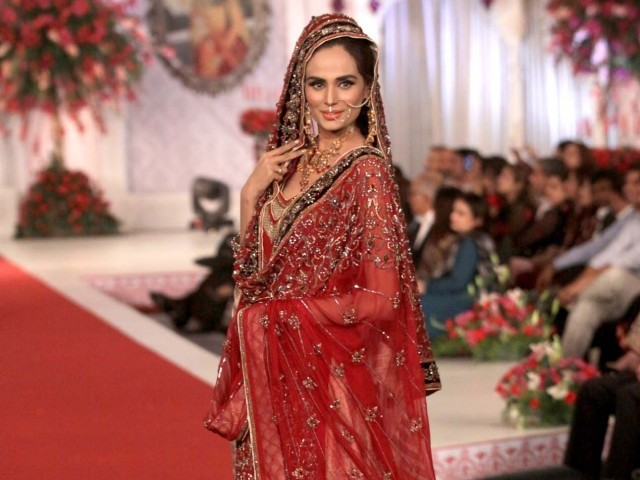 Style 360 Bridal Couture Week 2013 World Images Gallery