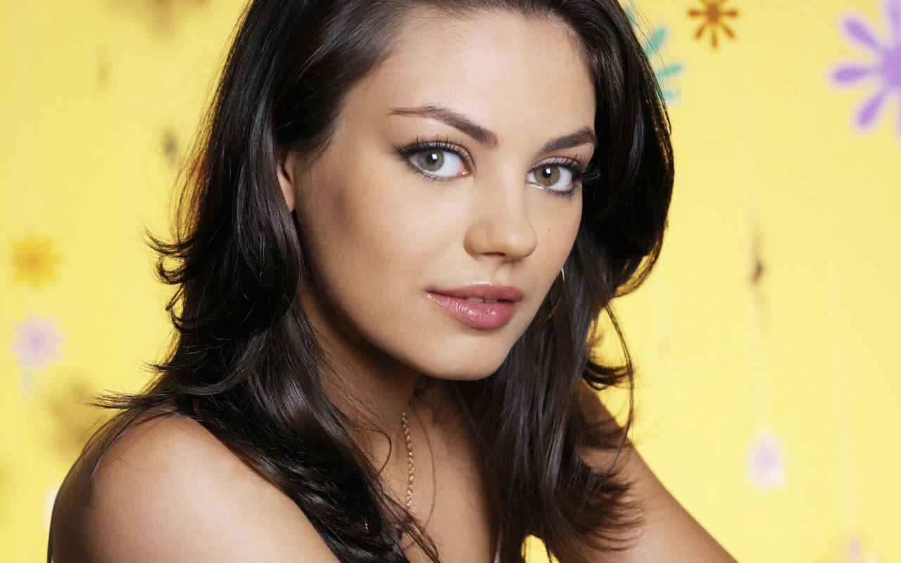 2012 Hairstyle Trends: Mila Kunis Hairstyles: From Ukraine to One of ...