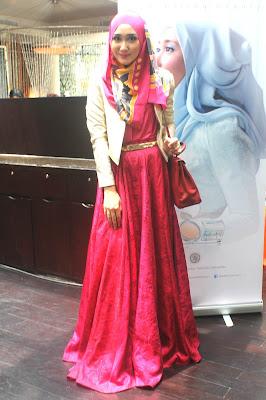 Model Rok Panjang Muslimah Desain Dian Pelangi