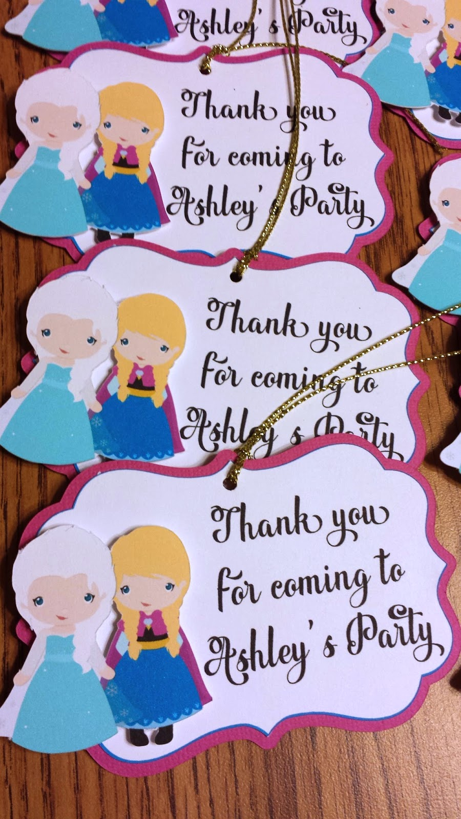 frozen_banner, gift_tags