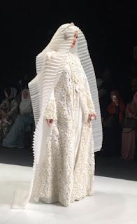 Model Kebaya Kutu Baru Muslimah Hijab Bervolume