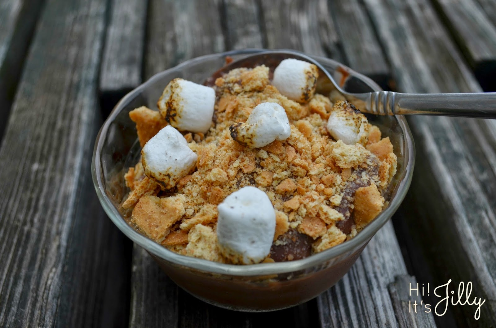 Add some toasted marshmallows and graham crackers to your Kozy Shack chocolate pudding for a s'more in a bowl!! #puddinglove #yum #smores