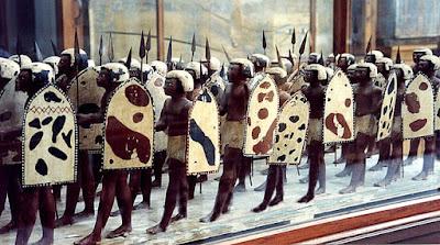 Escultura: Soldados Marchando