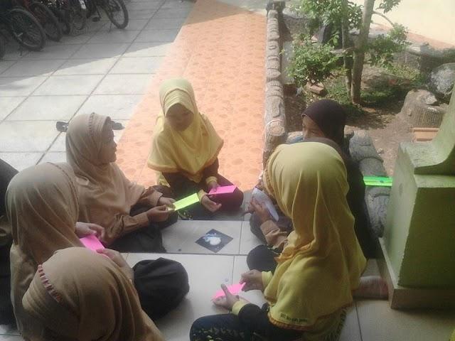 Life Skill Kelas 2 : Kain Perca Menjadi Pembatas Al Quran