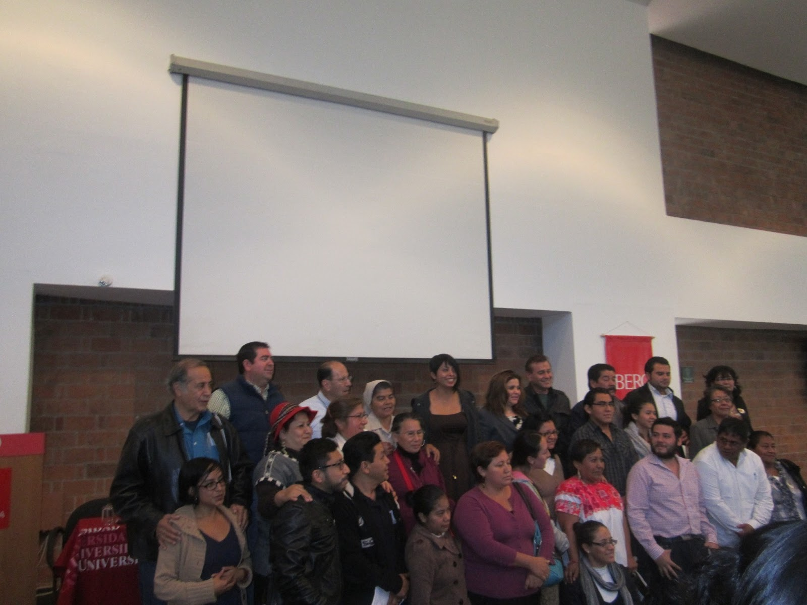 Plano activo encuentro de defensores de derechos humanos for Mural de la casa del migrante