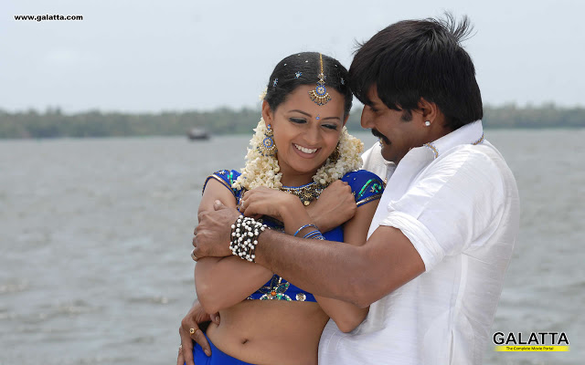 ... Mallu actress Bhavana latest hot navel and cleavage show in saree