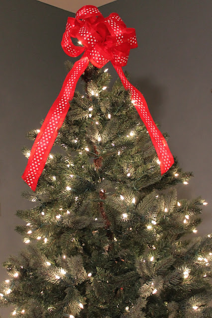 Christmas Tree Bow Topper Tutorial