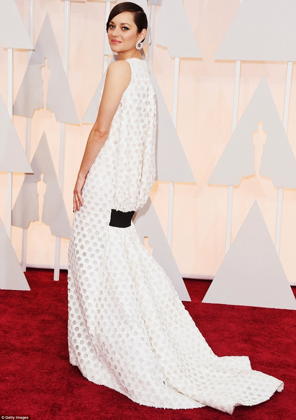 Marion Cotillard in Dior Couture at Oscars 2015