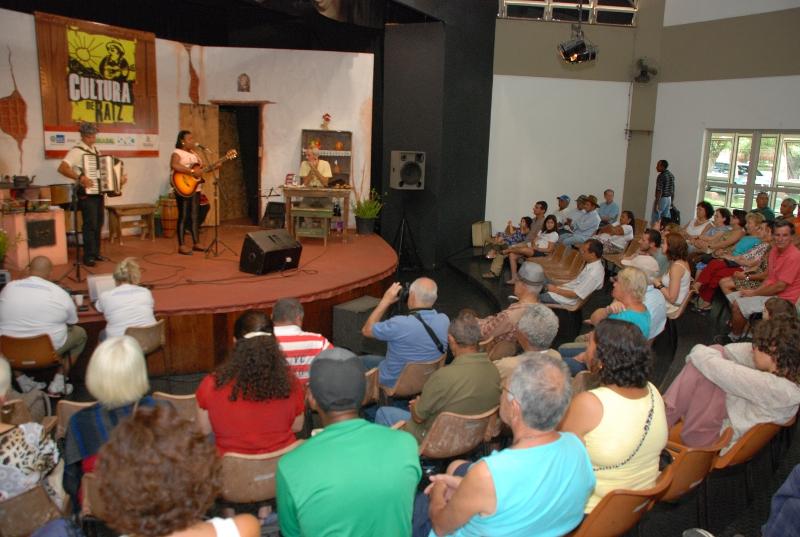O público curtiu a apresentação de Wanda Piheiro e Daniel Vieira