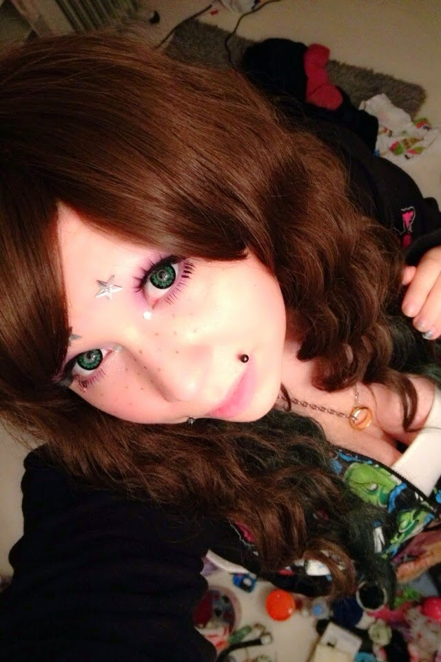 Dolly Eye Pop C Light Green colored contacts