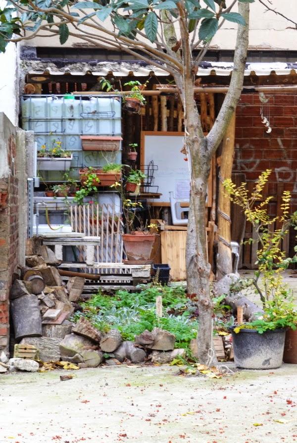 art et glam la rue des thermopyles c t jardin paris 14e. Black Bedroom Furniture Sets. Home Design Ideas