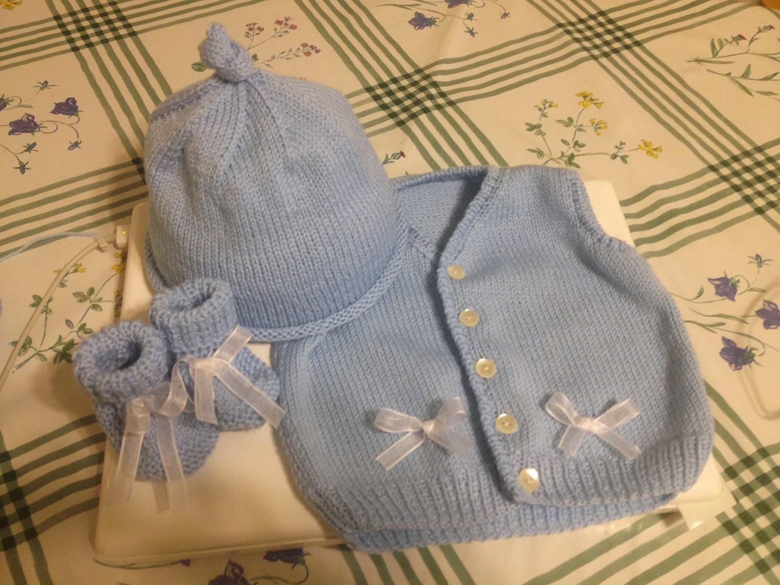 Bien-aimé Penso a Me: Gilet senza maniche bimbo 0/3 mesi, scarpine e berretto ED84