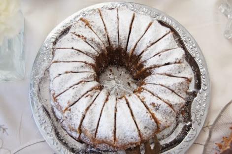 Taateli-kookoskakku