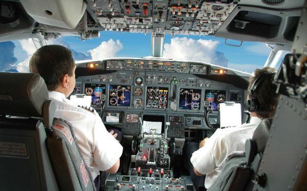 Pesawat Komersial