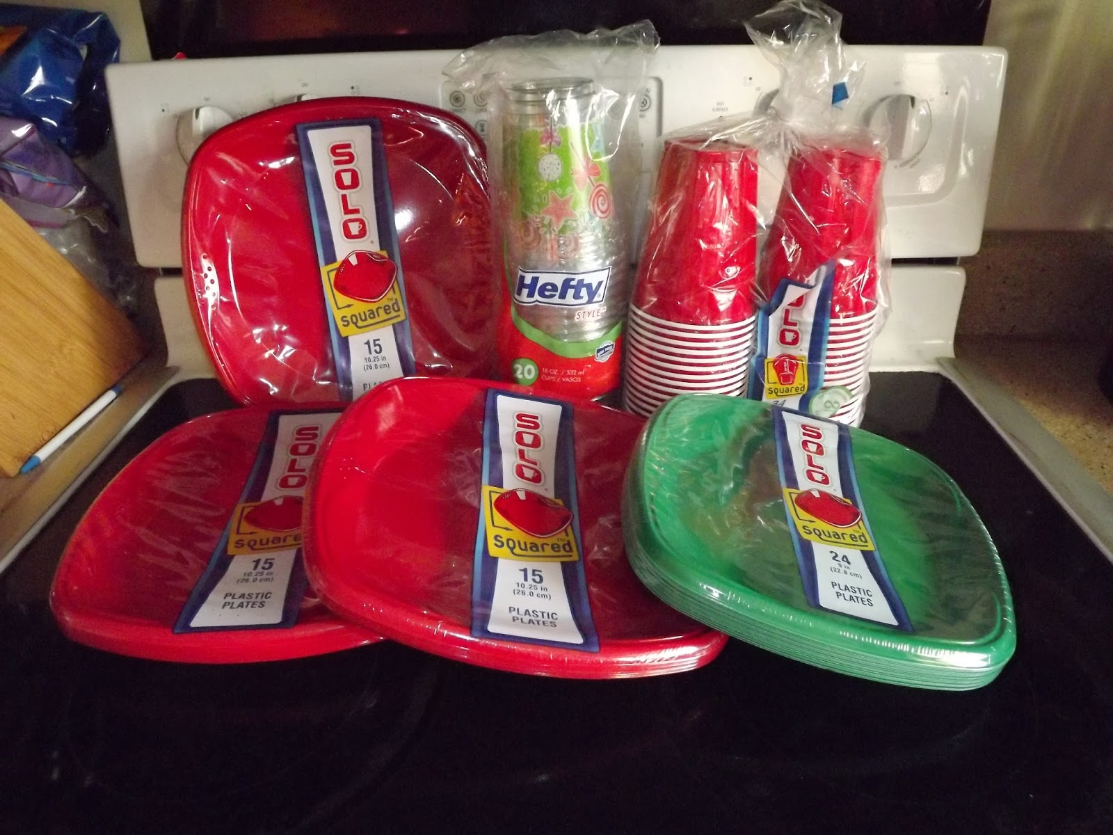 Solo Plastic Plates(50%)-$1.49 The clearance ones are the 15 pack. Hefty Plastic Cups(50%)-$1.49. Solo Plastic Cups(50%)-$1.49 The clearance package is the ... & Keeping Up With The Pruetts: December 2013
