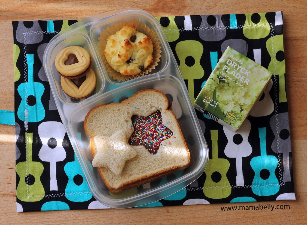 Matkins Reusable Placemat Review - mamabelly.com