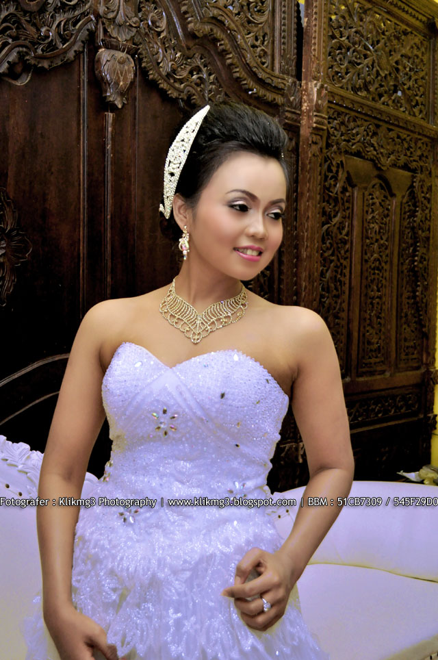 Sampel Make Up Utami Irawan Wedding Gaun Bridal || Fotografer : Klikmg3 Photography ( Fotografer Purwokerto )
