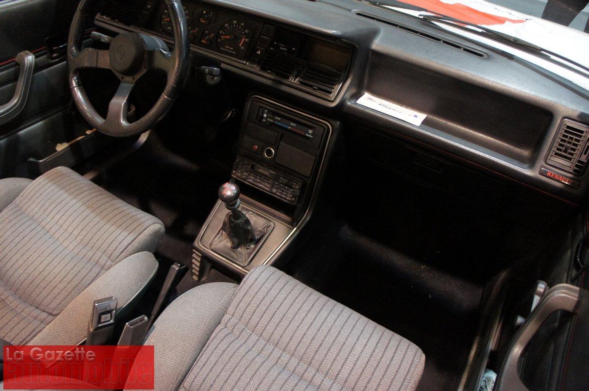 La gazette automobile une amc renault gta convertible de for Renault 9 interieur