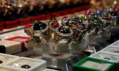 Kontes Batu Akik Perebutkan Piala Walikota