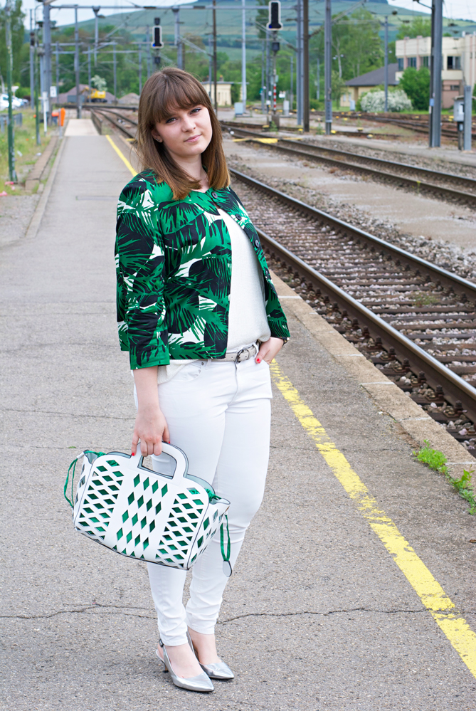 urban setting outfit white green tropical print
