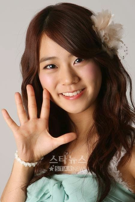 Hyemi Jeong : 16 Idol wanita Korea yang bersuara emas