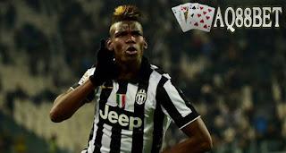 Liputan Bola - Gelandang Juventus, Paul Pogba menjadi magnet di bursa transfer musim panas ini. Sejumlah klub papan atas dunia berbondong-bondong untuk mendapatkan pemain asal Prancis itu.
